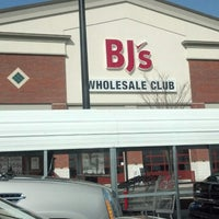 Photo taken at BJ's Wholesale Club by James B. on 4/9/2013