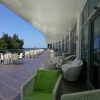 Das Foto wurde bei Q Premium Resort Hotel Alanya von Burak U. am 8/8/2013 aufgenommen