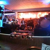 6/29/2013 tarihinde Burak U.ziyaretçi tarafından Şömine Cafe'de çekilen fotoğraf