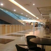 Foto tirada no(a) Centro Commerciale Parco Leonardo por Suriel S. em 6/15/2013