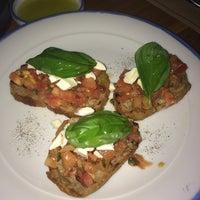 Photo taken at Pomodoro Pizzeria by Dejan D. on 10/27/2014