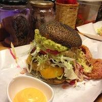 Foto scattata a Al Mercato Ristorante & Burger Bar da Arianna C. il 5/15/2013