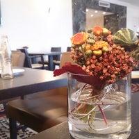 Das Foto wurde bei Executive Lounge Marriott von Ahmad A. am 9/14/2013 aufgenommen