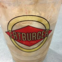 Photo taken at Fatburger by Christina P. on 4/28/2013