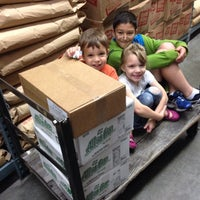 Photo taken at Smart Foodservice Warehouse Stores by Katherine H. on 7/23/2014