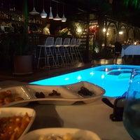 รูปภาพถ่ายที่ Alp Paşa Boutique Hotel โดย Sema Ç. เมื่อ 5/29/2017