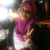 Photo taken at Pasar Malam Bandar Baru Bangi by Amy Syazlin Z. on 10/16/2012