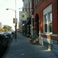 Das Foto wurde bei Dark Matter Coffee (Star Lounge Coffee Bar) von Jane W. am 10/21/2012 aufgenommen