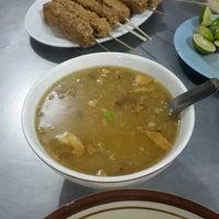 Photo taken at Soto Ayam & Ayam Goreng Bangkong by Elis F. on 10/6/2016
