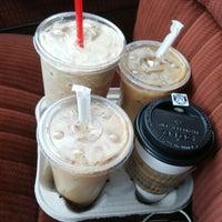 Foto tirada no(a) Rise Up Coffee por Michael O. em 11/2/2012