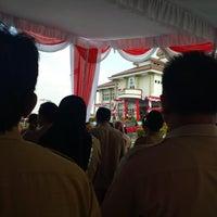 Photo taken at Halaman Kantor Walikota Pangkalpinang by Ken S. on 9/17/2014
