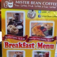 Photo taken at Mister Bean Coffee by Awanda E. on 1/18/2013