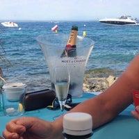 Foto tomada en El Pirata Beach Club por Simon S. el 7/23/2015