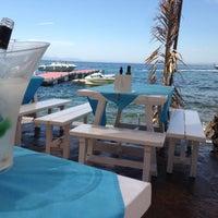 Foto tomada en El Pirata Beach Club por Simon S. el 7/22/2015