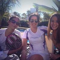 Foto tomada en Club de Padel Los Naranjos por Carmela A. el 1/25/2014
