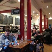 Снимок сделан в Arlequin Cafe & Food To Go пользователем Tak H. 2/18/2013