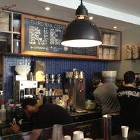 4/17/2013にCigdem T.がThird Rail Coffeeで撮った写真