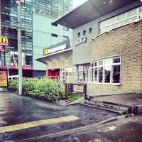 Снимок сделан в McDonald's пользователем Alexander D. 10/22/2012