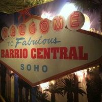 รูปภาพถ่ายที่ Barrio Central โดย Bruno D. เมื่อ 10/31/2012