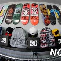 Foto tirada no(a) Nollie Skateshop por Nollie S. em 10/8/2012