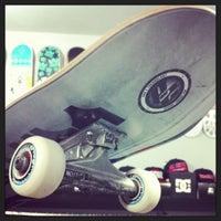 Foto tirada no(a) Nollie Skateshop por Nollie S. em 5/15/2013