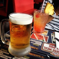 Photo taken at T.G.I. Friday's by 🇫🇷 Germán G. on 5/15/2013