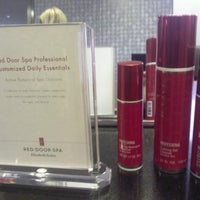Photo taken at Elizabeth Arden Red Door Spa by Lisa K. on 6/26/2013