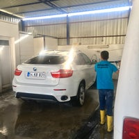 Photo taken at Müskebi Car Wash by ONUR TANTAOĞLU on 9/15/2017