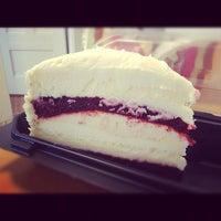 Das Foto wurde bei The Cheesecake Factory von Lilly L. am 9/27/2012 aufgenommen