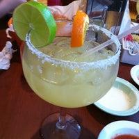 Foto scattata a El Mexicano Restaurant da TinaFightsFire il 9/14/2012