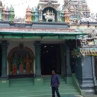 Photo taken at Sri Meenatchi Sundareswarar Temple ஶ்ரீ மீனாட்சி சுந்தரேசுவரர் ஆலயம் by Dujes on 8/7/2014