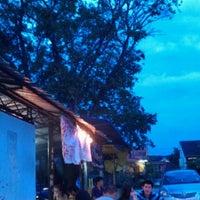 Photo taken at 红厨槟城炒 Top Kitchen by Siang Jau C. on 11/13/2012