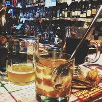 Foto scattata a Clever Irish Pub da Sashul'ka Z. il 3/30/2013