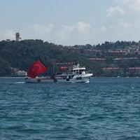 Photo taken at Yeniköy Yalılar Mevkii by Sinan on 8/7/2016