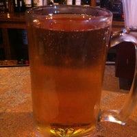 Foto tomada en The Tavern Sports Grill por Andrew M. el 12/9/2012
