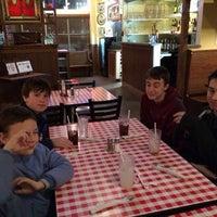 Foto tirada no(a) Aurelio's Pizza - Plainfield por Andrew G. em 1/12/2014