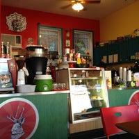2/15/2013 tarihinde Albert Y.ziyaretçi tarafından Jackalope Coffee & Tea'de çekilen fotoğraf