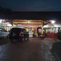 Photo taken at Restoran Pringsewu by Muhammad Ridwansyah A. on 9/28/2014