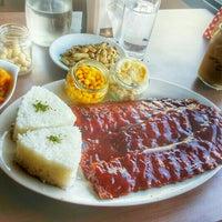 Foto tomada en Red Baron Ribs & Steaks por Francois G. el 11/7/2015