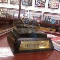 Foto tomada en Museo Beatle por Monica C. el 10/10/2012