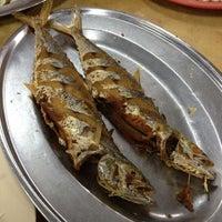Photo taken at Restoran Sekinchan by 王詠顺 (. on 7/13/2013