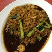 Photo taken at Restoran Sekinchan by 王詠顺 (. on 5/17/2013