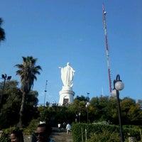 Das Foto wurde bei Cumbre Cerro San Cristóbal von Fidel L. am 1/19/2013 aufgenommen