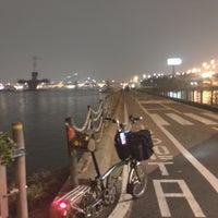 Photo taken at 안양천 합수부 by BYUNG TAE J. on 4/25/2017