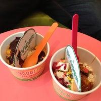 Foto tomada en Yooglers Frozen Yogurt por An.sti.ce D. el 8/13/2013