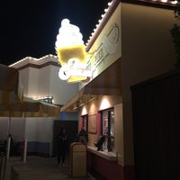 Photo taken at Paradise Pier Ice Cream Co. by Robin P. on 1/17/2017