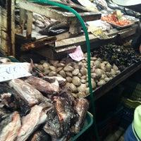 Foto tirada no(a) Mercado Central por Jocelyn G. em 1/20/2013