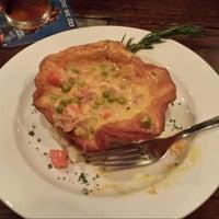 Photo taken at Pub 32 Irish Gastropub by Shelley J. on 8/30/2013
