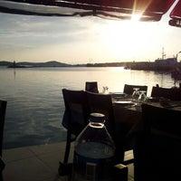 10/22/2012 tarihinde Yasemin A.ziyaretçi tarafından Cunda Deniz Restaurant'de çekilen fotoğraf