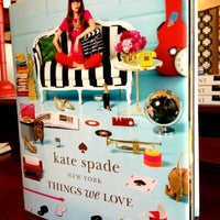 Foto tirada no(a) kate spade new york flagship por Julie em 10/11/2013